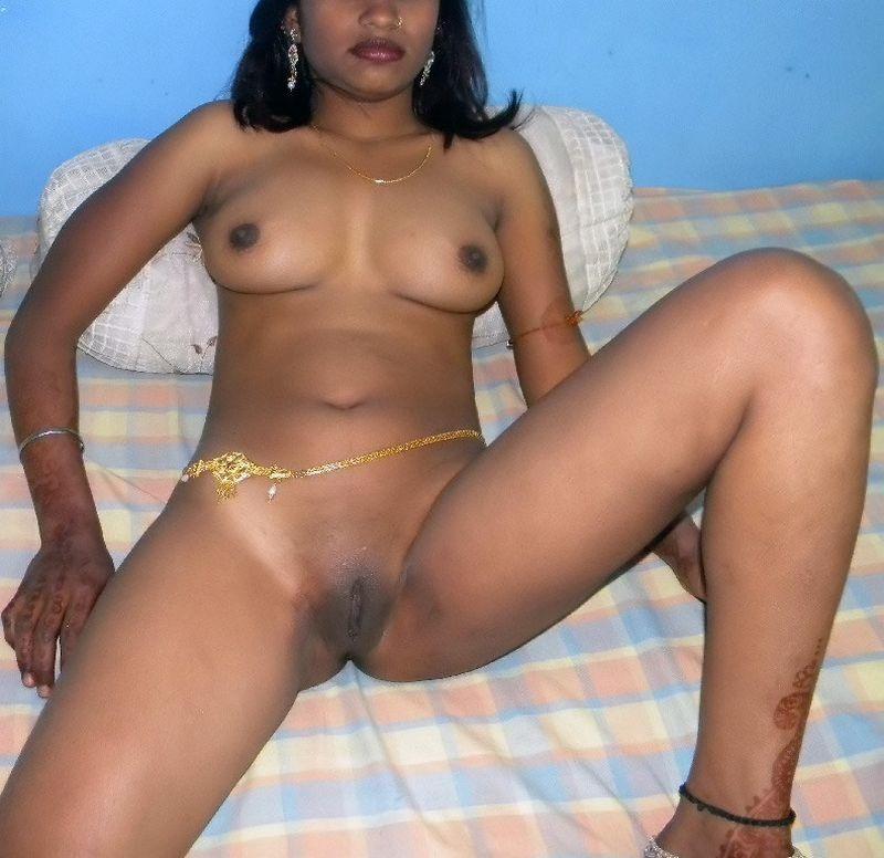 House Wife Anty Nude In Bedroom Sex Photos - Tamilsexco -3255
